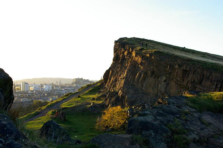Трон Артура и Солсбери Крагс (Climb to Arthur's Seat and the Salisbury Crags)