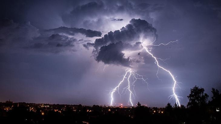 Самые удивительные фотографии разрядов молний. Фото