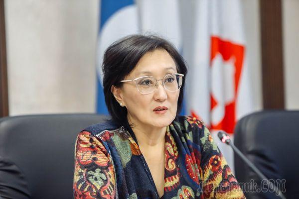 «Никогда не держалась за власть»: чем известна ушедшая в отставку мэр Якутска