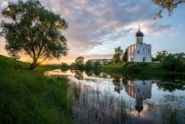 Тихое русское чудо: храм Покрова на Нерли