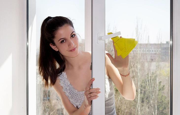 Как быстро помыть пластиковые окна