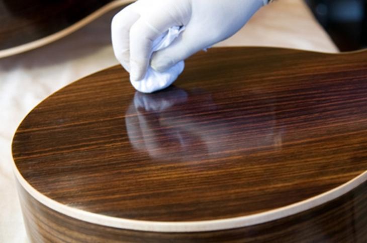 Полироль для мебели: состав, виды, нюансы использования