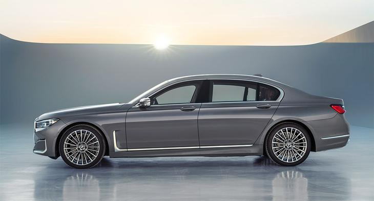 фото BMW 7-Series 2021-2020 вид сбоку