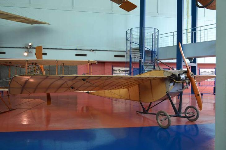 Аэроплан Ньюпор IIN, прославившийся рядом рекордов – удачный дебют знаменитого французского авиаконструктора Эдуарда Ньюпора. Как видим, в первом поколении европейских самолетов монопланов было довольно много
