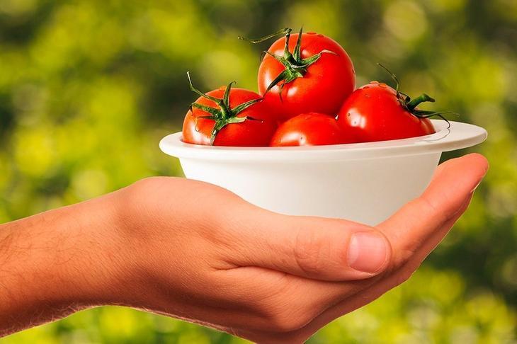Помидоры с растительным маслом: молодая кожа