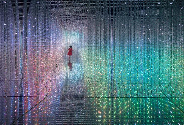 Японская электронная инсталляция «Crystal Universe» loverme