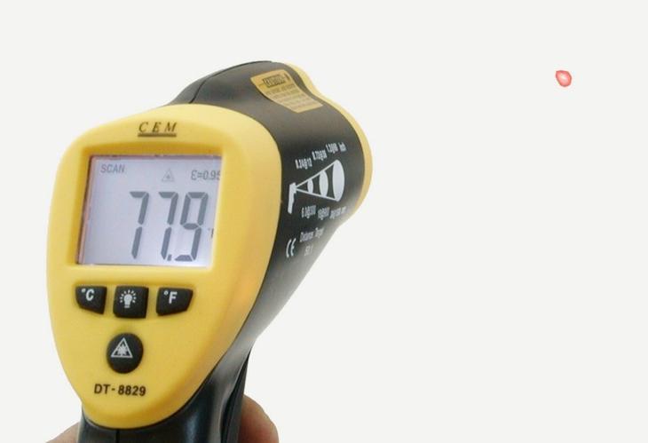 Пистолет для охотников за привидениями — инфракрасный термометр. Диапазон измерений — от −50 до 1000°С.