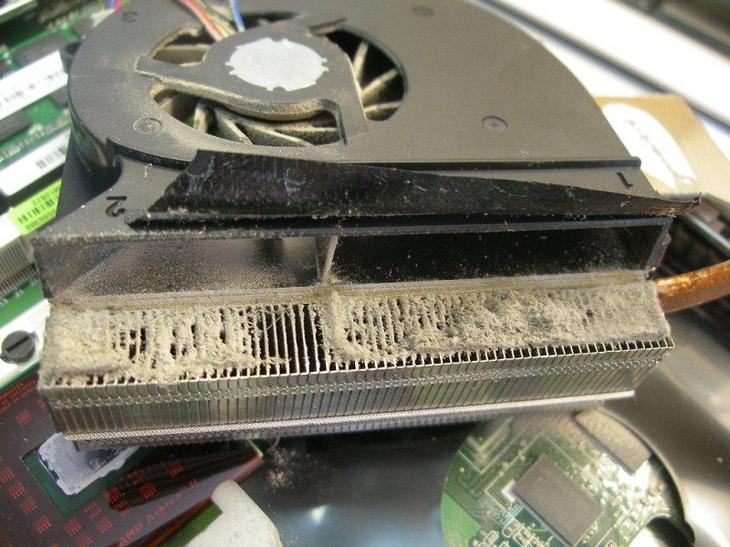 почему греется ноутбук