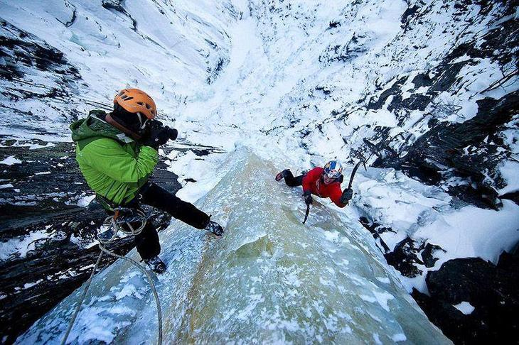 icefalls03 10 невероятных ледяных водопадов