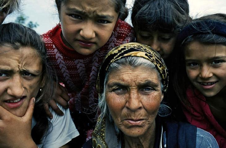 Система цыганских ценностей не менялась столетиями. Самые главные — принадлежность к цыганскому обществу, семья, профессия и вера мифы, цыгане