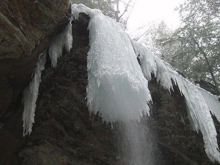icefalls05 10 невероятных ледяных водопадов