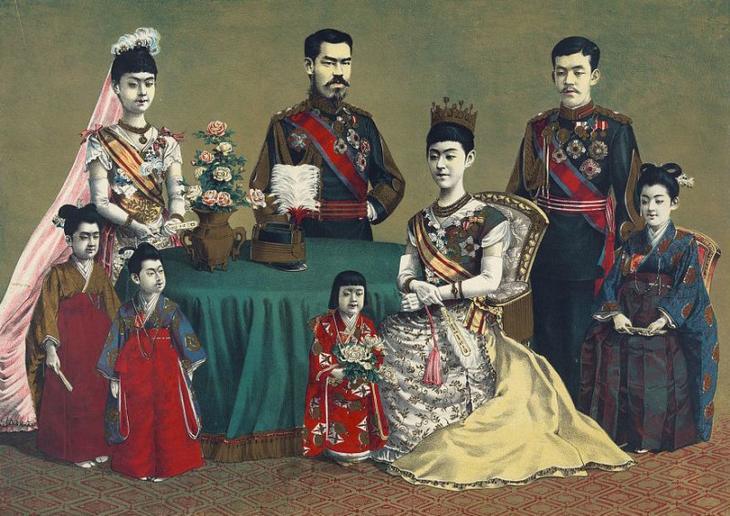 content__The_Japanese_imperial_family__Kasai__Torajiro__1900_02532v