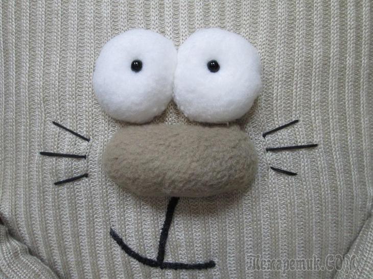 Шьем котика-подушку из старенькой кофты