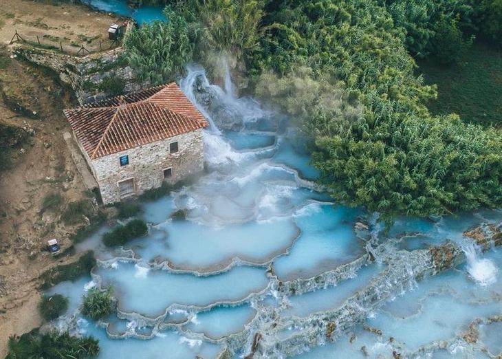 Фантастическая красота термов Сатурнии: голубая лагуна, как рай на земле