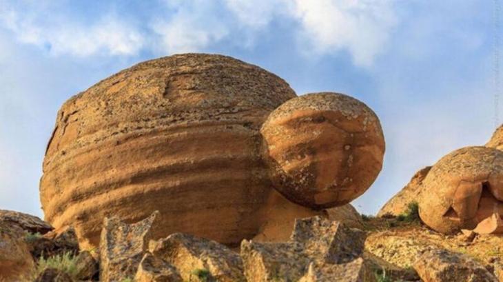 Чудо природы: румынские камни, которые умеют дышать и размножаться!