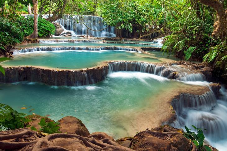 Водопад Куанг Си Лаос. Каякам здесь не место. Самые причудливые и величественные водопады планеты. Фото с сайта NewPix.ru