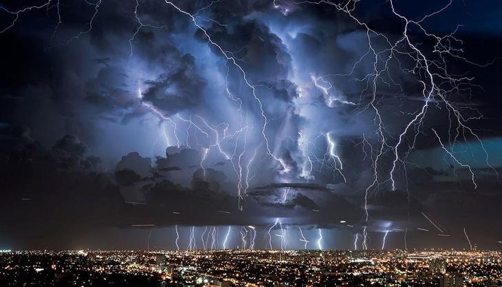 Самые удивительные раскаты молний. Фото