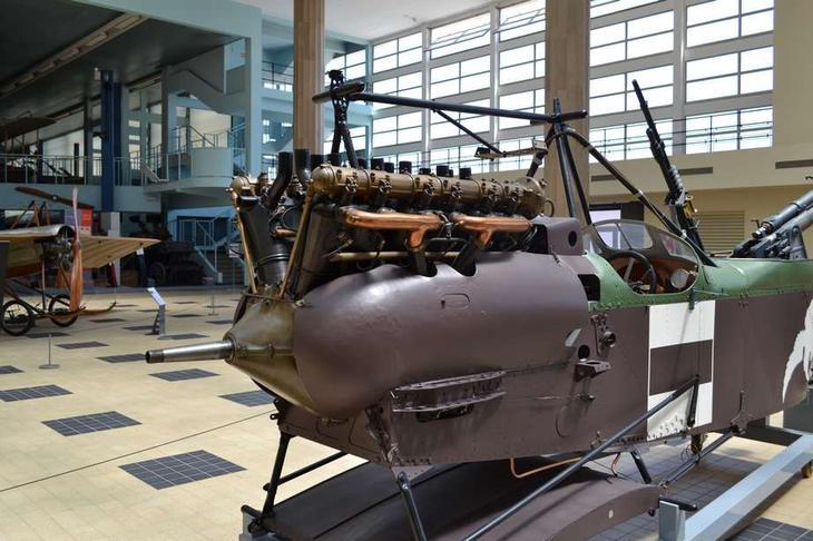 Мотор Испано-Сюиза H.S.8 аэроплана Вуазен 10СА2 – один из самых удачных двигателей времен I мировой войны. Кроме этого самолета он устанавливался на знаменитых истребителях SPAD S.VII и XIII (французских), а также английских RAF S.E.5