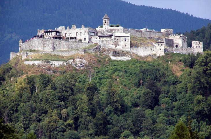 Замок Ландскрон, Австрия. Построен в 1028 году. европа, замки, история, средневековье