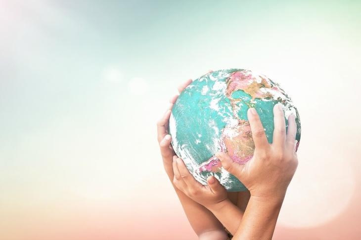 Увы, человек придумал десятки способов ухудшить экологию Земли и свое собственное здоровье