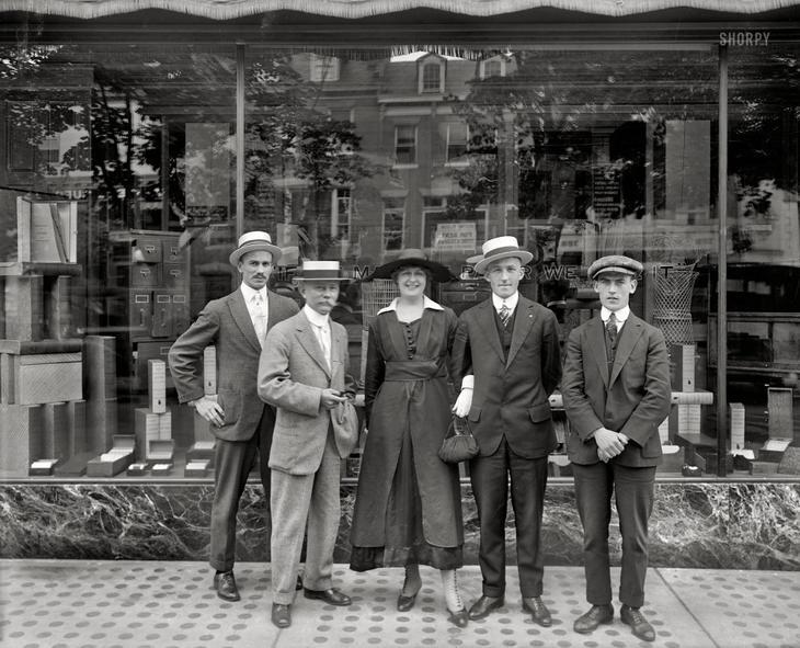 Сотрудники компании Andrews Paper Co. в летней одежде, Вашингтон, 1917 год. жара, история, кондиционер