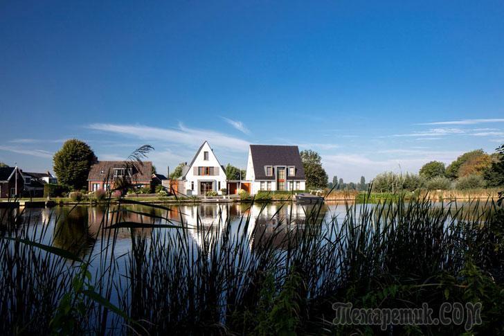 Милый домик у воды в Нидерландах