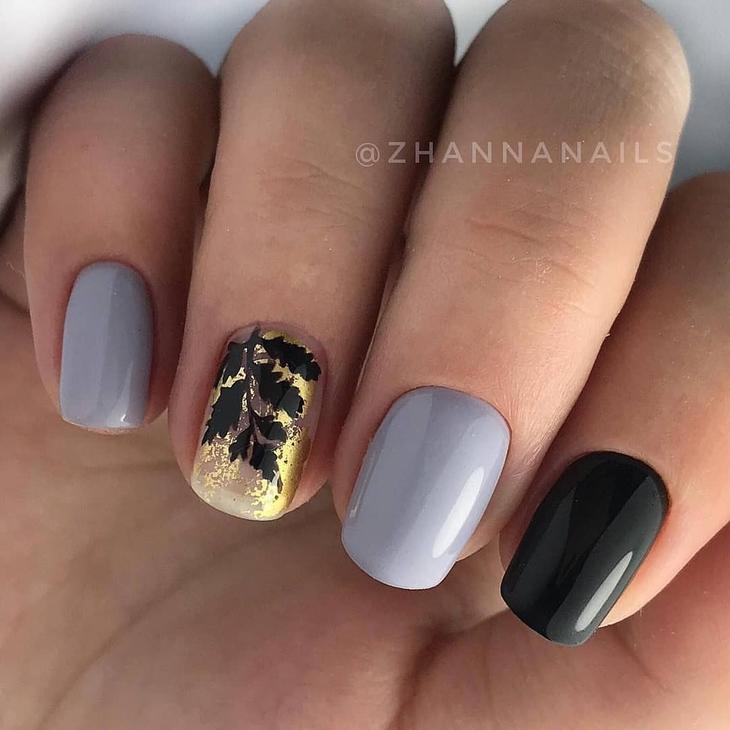 Маникюр с золотой фольгой_27