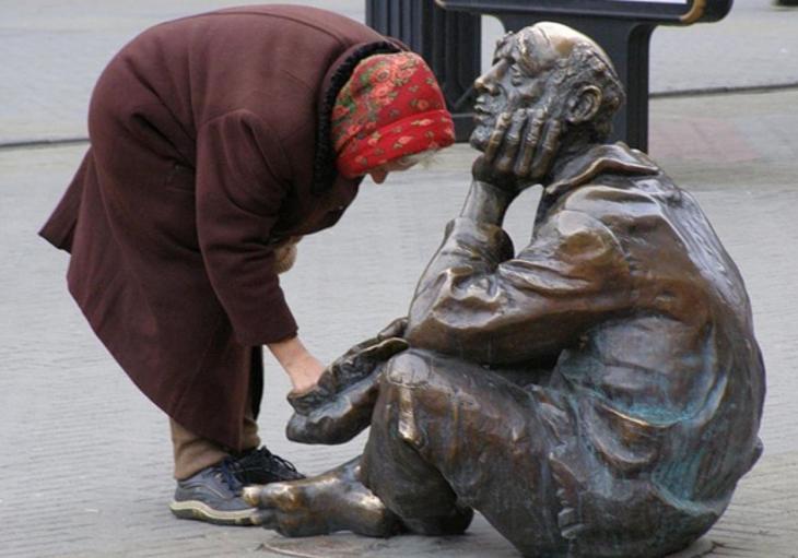 «Победы на бумаге»: Власти побеждают бедность россиян с помощью Росстата и его методик