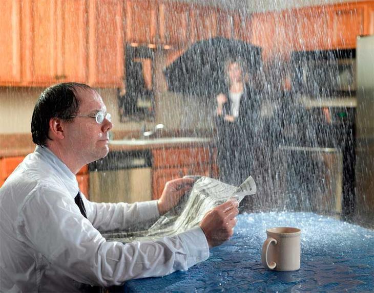 Сонник вода с потолка просачивается