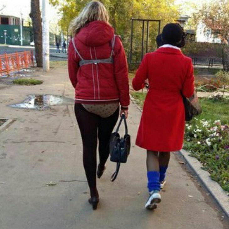 Красавицы на улице, которыми все любуются