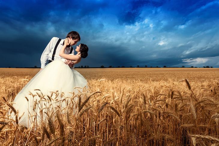 Молодая пара перед заключением брака