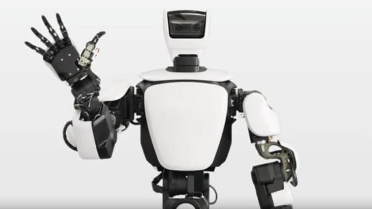 Человекоподобный робот от Toyota. Выглядит дружелюбным.