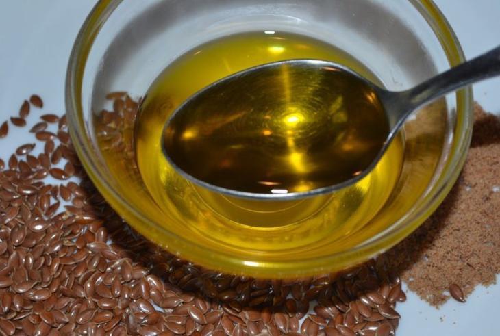 Применение льняного масла в чистом виде