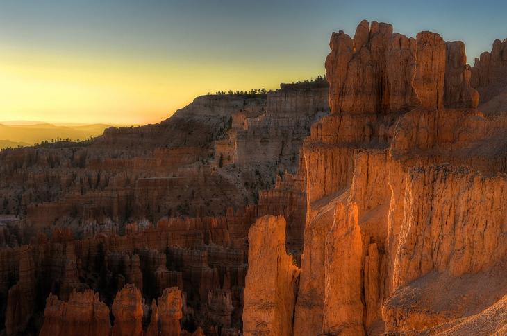 Красивый национальный парк Брайс-Каньон. Фото