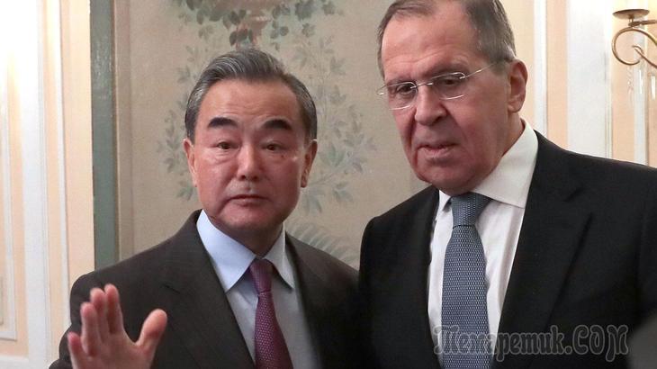 «США сняли маску»: Лавров согласился с главой МИД КНР