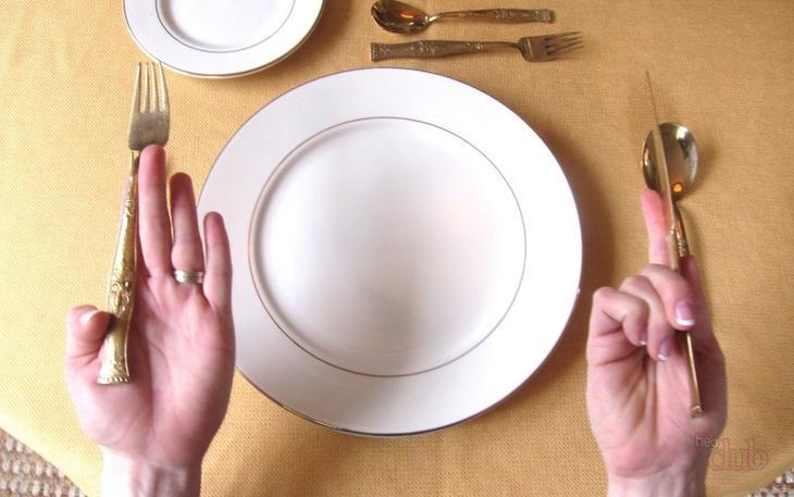 Правильное расположение приборов при сервировке стола