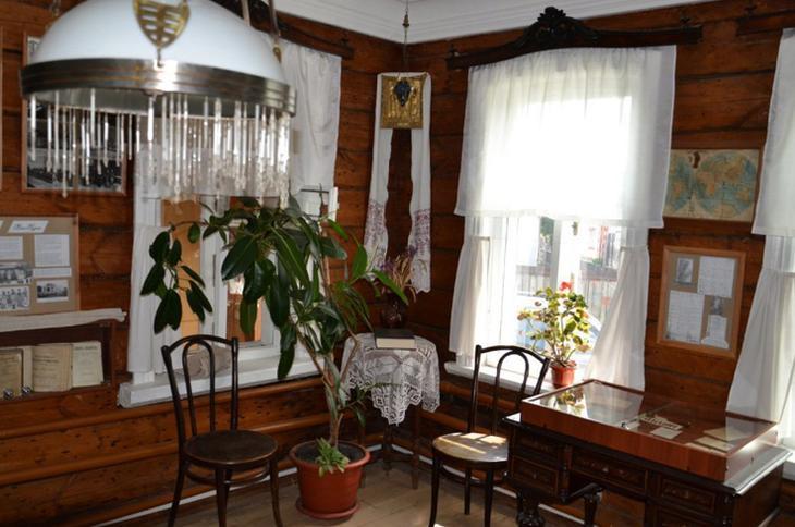 Внутри музея Бунина