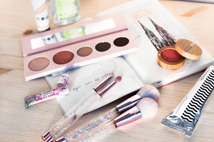 Как упаковка влияет на состав косметики? | LookBio Журнал для тех ...
