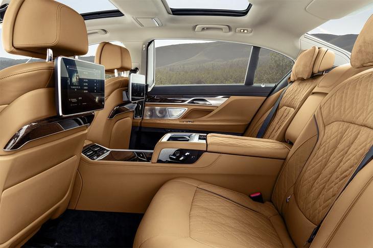 фотографии интерьера BMW 7-Series 2021-2020