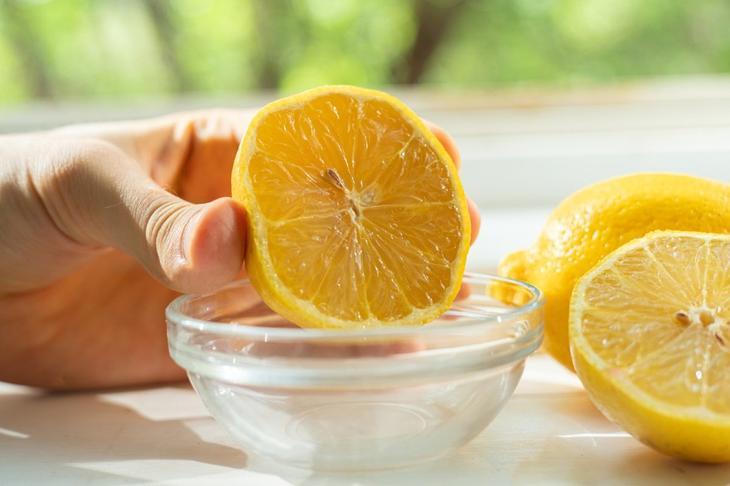 вода с лимоном утром
