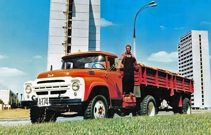 7 знаковых советских грузовиков, которые «вывезли» на себе страну