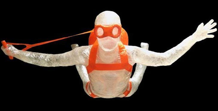 1 Jake Longenecker Свободное падение Лучшие работы конкурса скульптур из скотча Off the Roll 2012