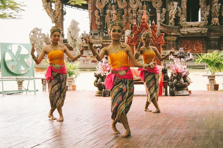 тайские танцовщицы. фото