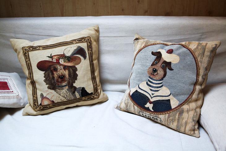 подушки с собаками