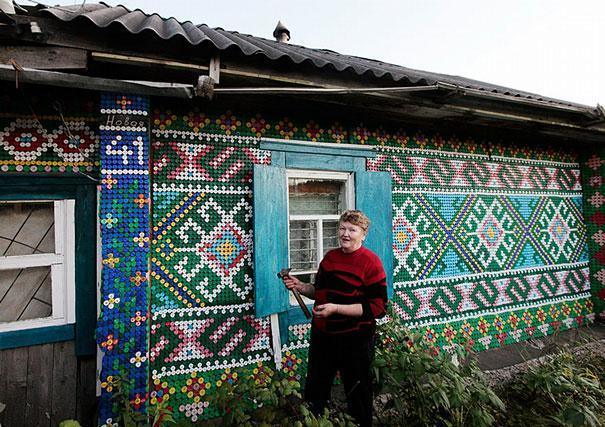 Вы не поверите, чем декорирован этот дом! Вот что такое настоящее творчество…
