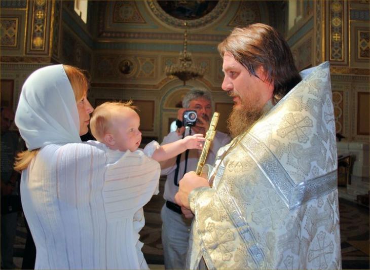 В каких случаях вам могут отказать крестить ребёнка Fullsize