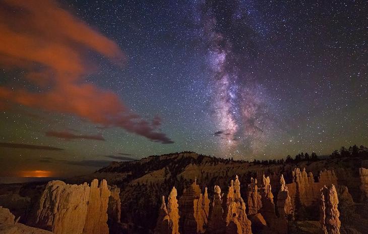 Ночной национальный парк Брайс-Каньон. Фото