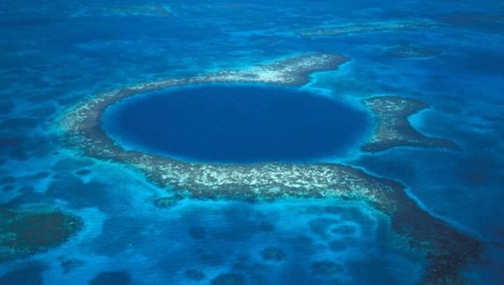 Подводная экспедиция раскрыла тайны загадочной Голубой дыры Белиза