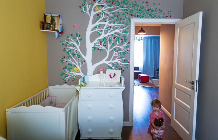 Расписанная стена в детской