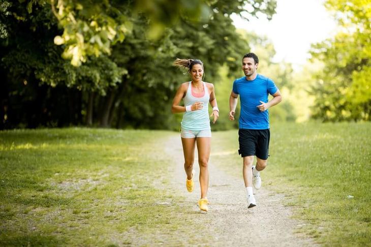 Ежедневный пробежки отлично борются с лишними килограммами